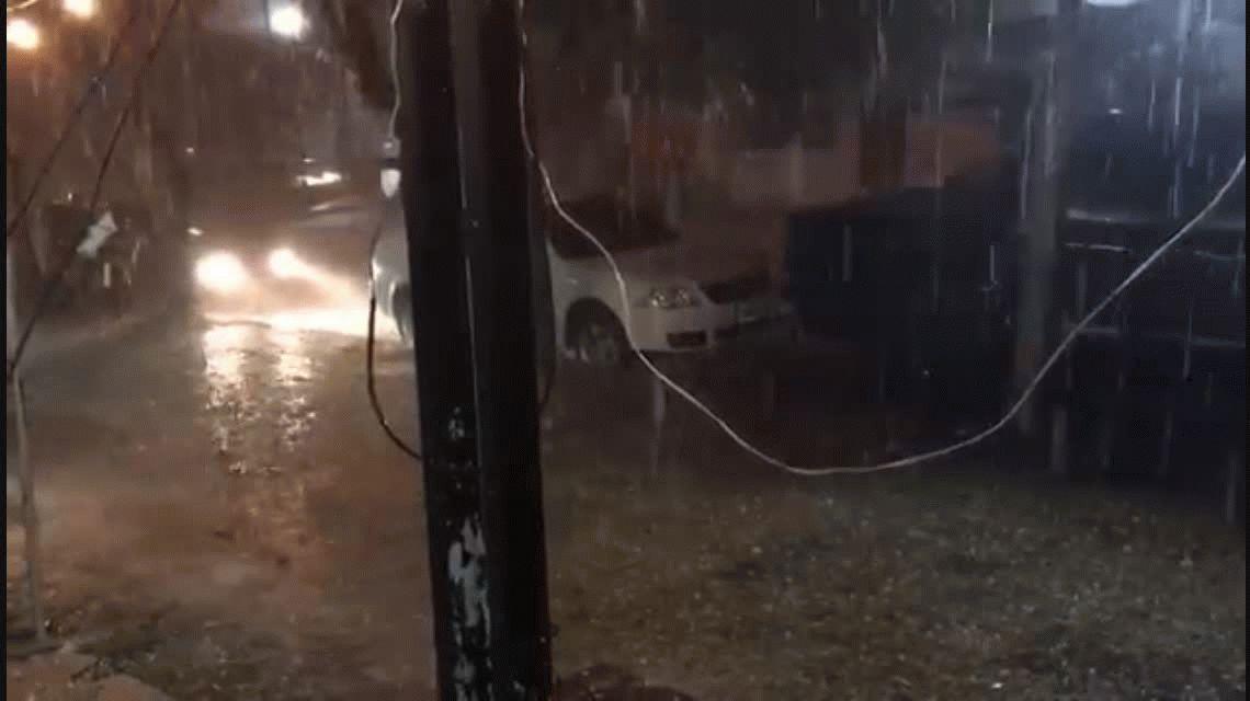 Granizo y lluvia en Villa Carlos Paz