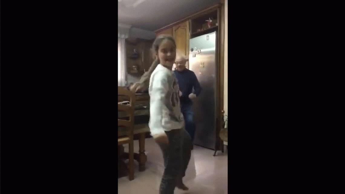 VIDEO: Un abuelo baila Despacito junto a su nieta y se vuelve sensación