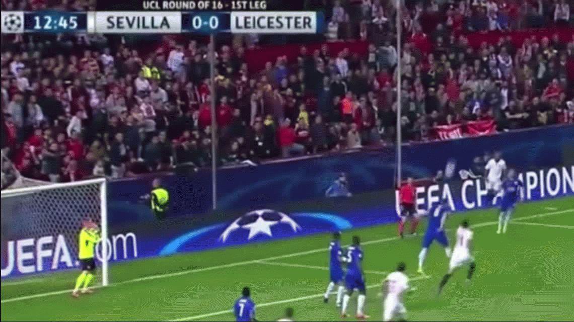 Sevilla venció al Leicester, que marcó un gol y dejó la serie de octavos abierta