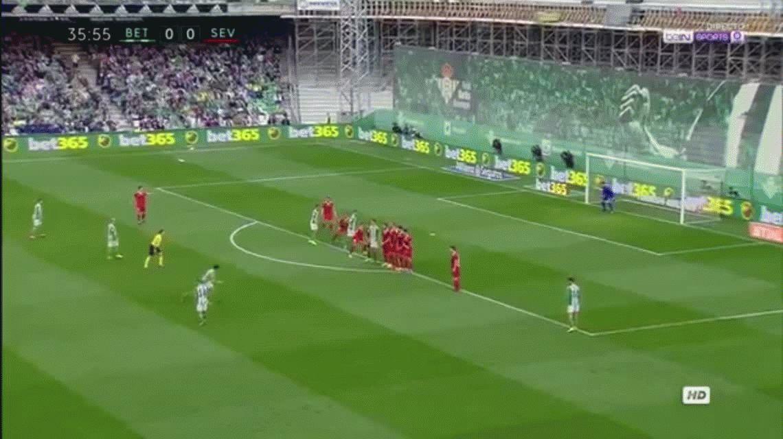 Con un gol de Mercado, Sevilla ganó el clásico y alcanzó al Real Madrid
