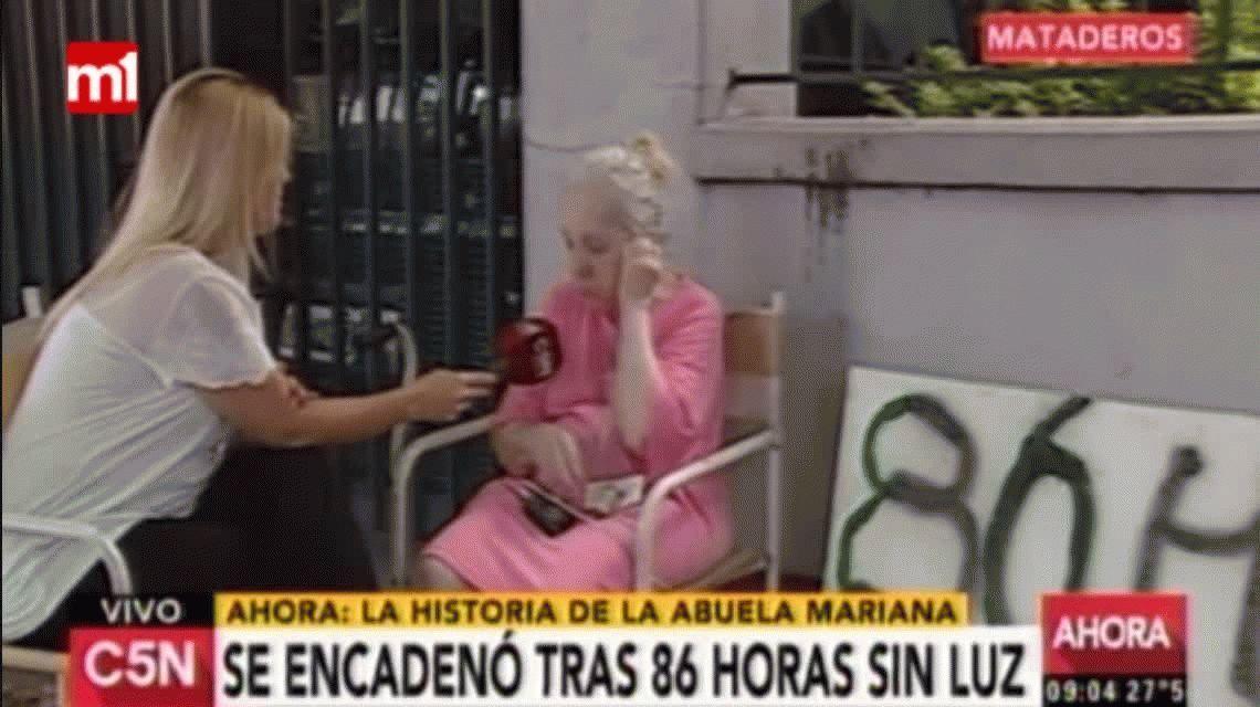 Una abuela se encadenó en la puerta de su casa tras estar 86 horas sin luz