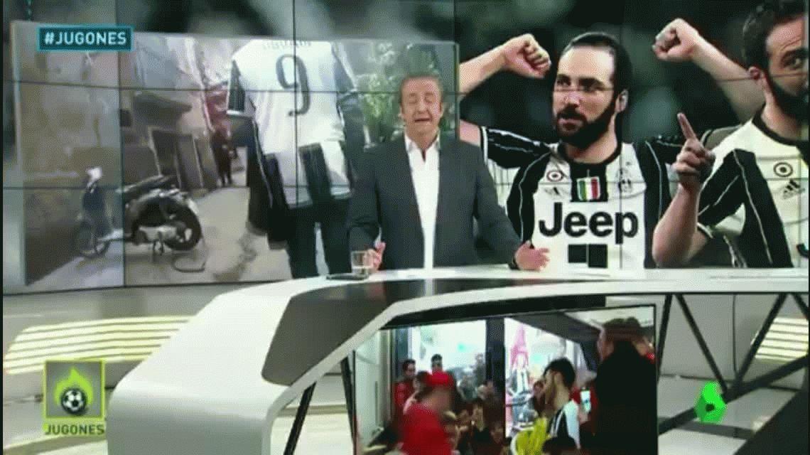 Esto pasa si paseás por Nápoles con la camiseta de Gonzalo Higuaín
