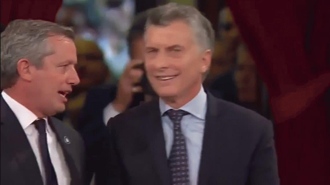 ¿Macri le dijo desubicada a la diputada que le dio una bolsa con yerba?