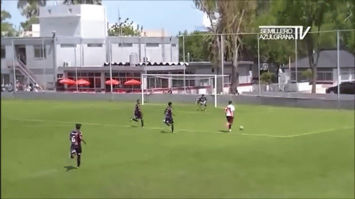 Así juega Joaquín Pérez Ibáñez, el juvenil de River que quiere el Liverpool