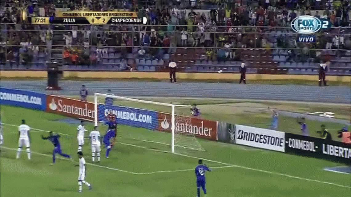Chapecoense debutó con un triunfo ante Zulia en la Copa Libertades