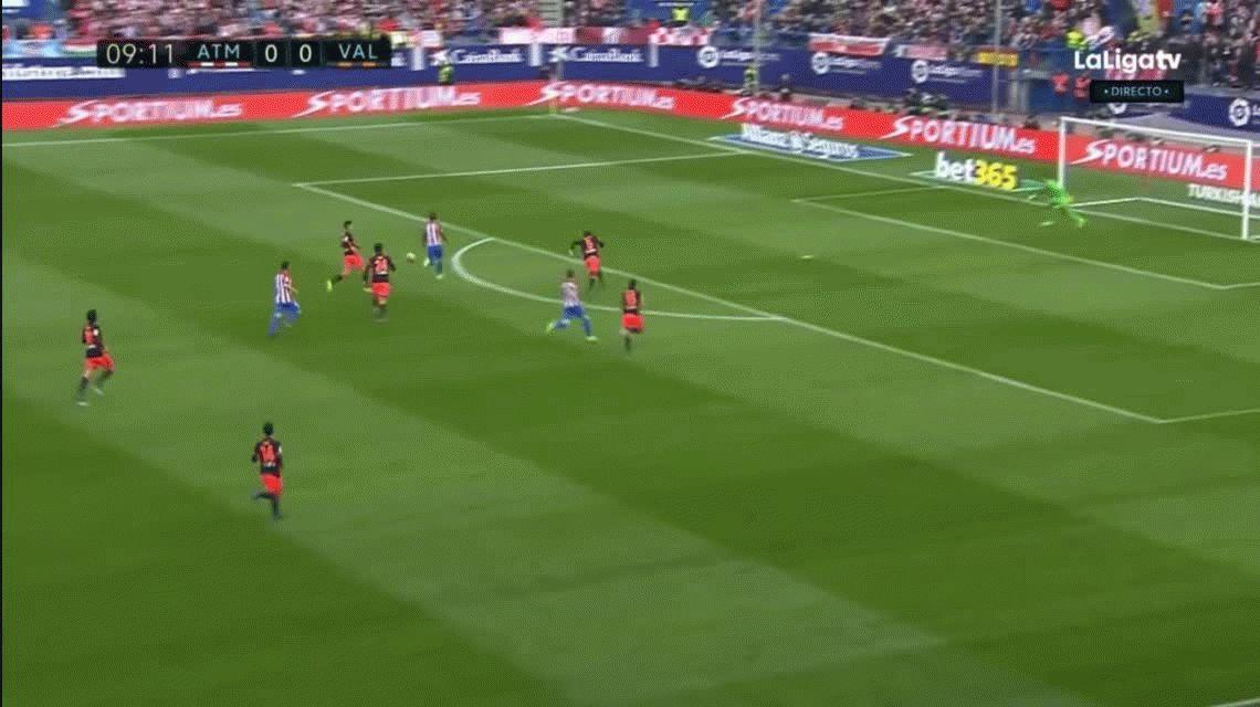 Antoine Griezmann fue multado con 600 euros por dedicarle un gol a su esposa