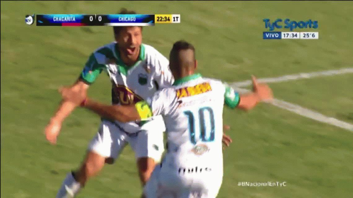 Gomito Gómez hizo un gol en el clásico ante Chacarita a los 42 años
