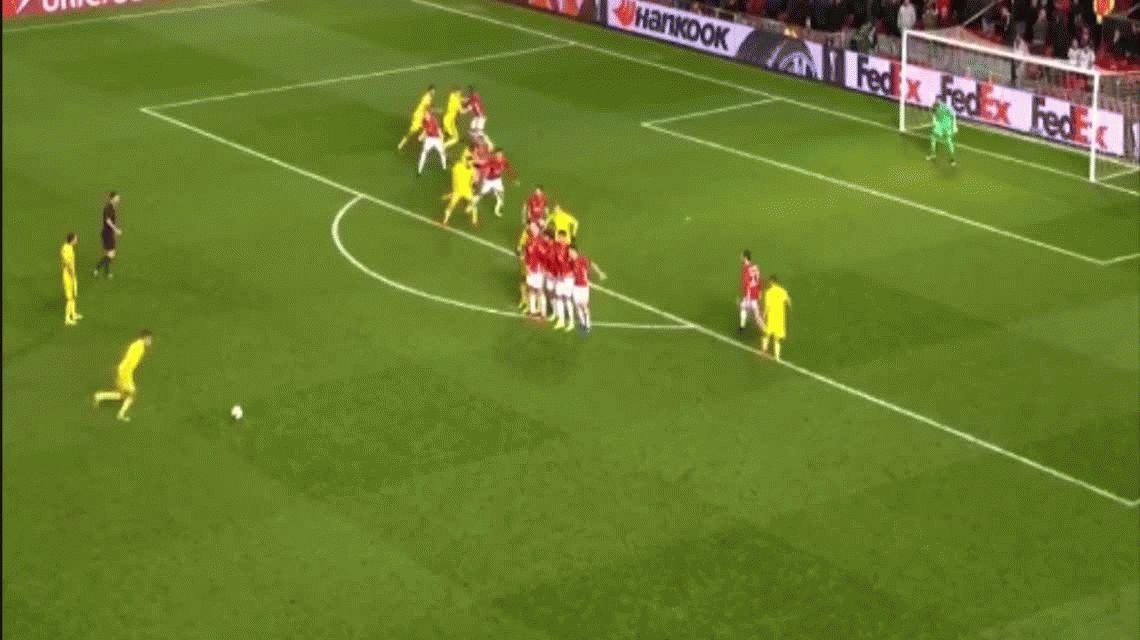 Una espectacular atajada de Romero metió al Manchester en cuartos de Europa League