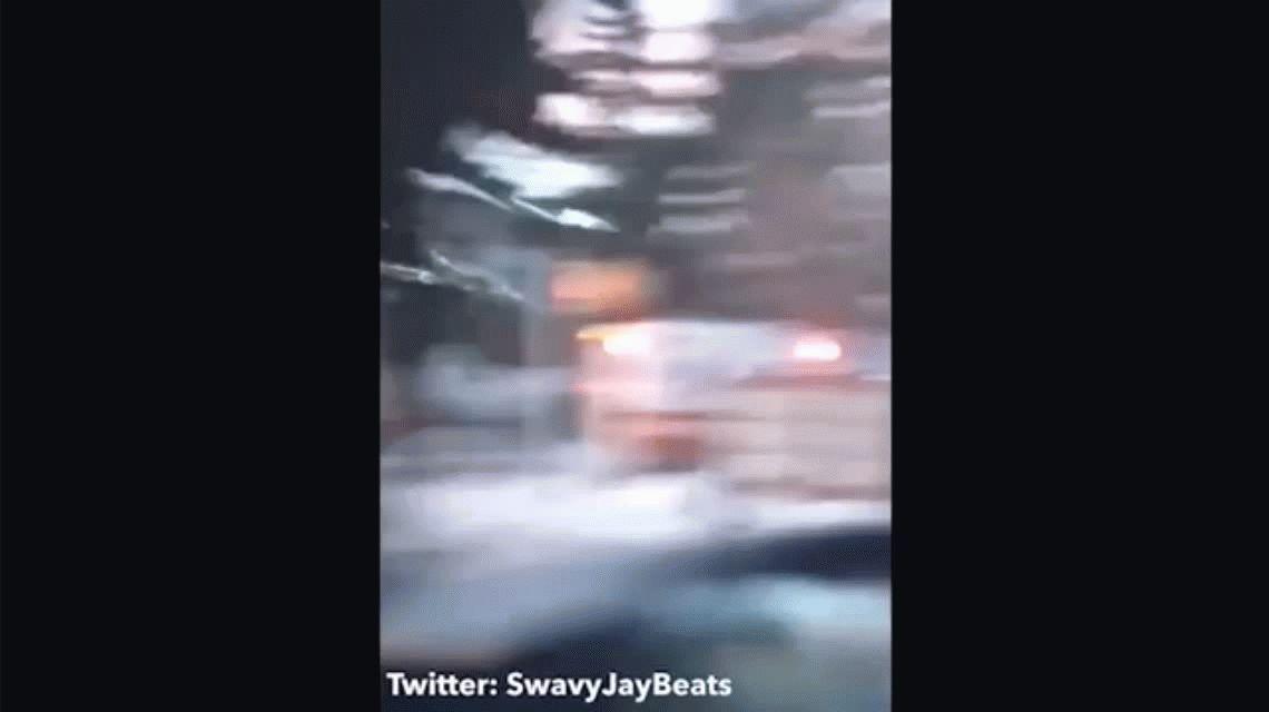 VIDEO: Una paramédica muere atropellada por su propia ambulancia