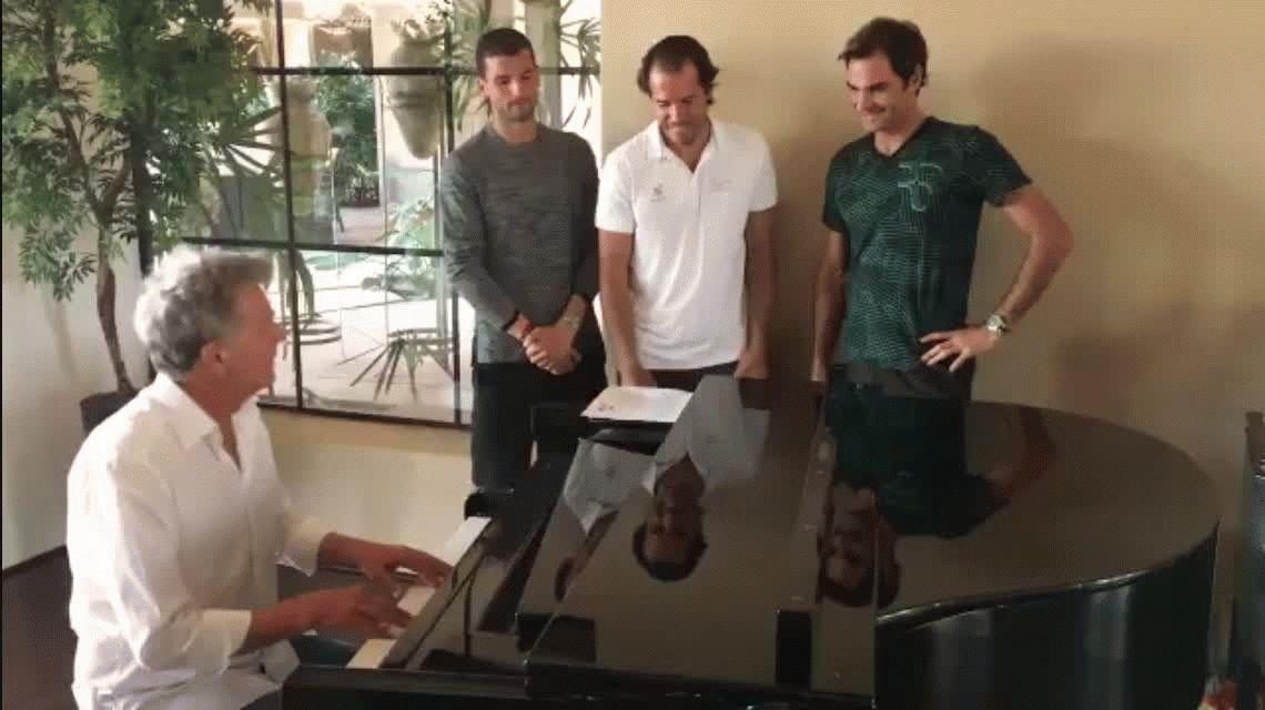 La banda del revés a una mano: la nueva faceta de Roger Federer