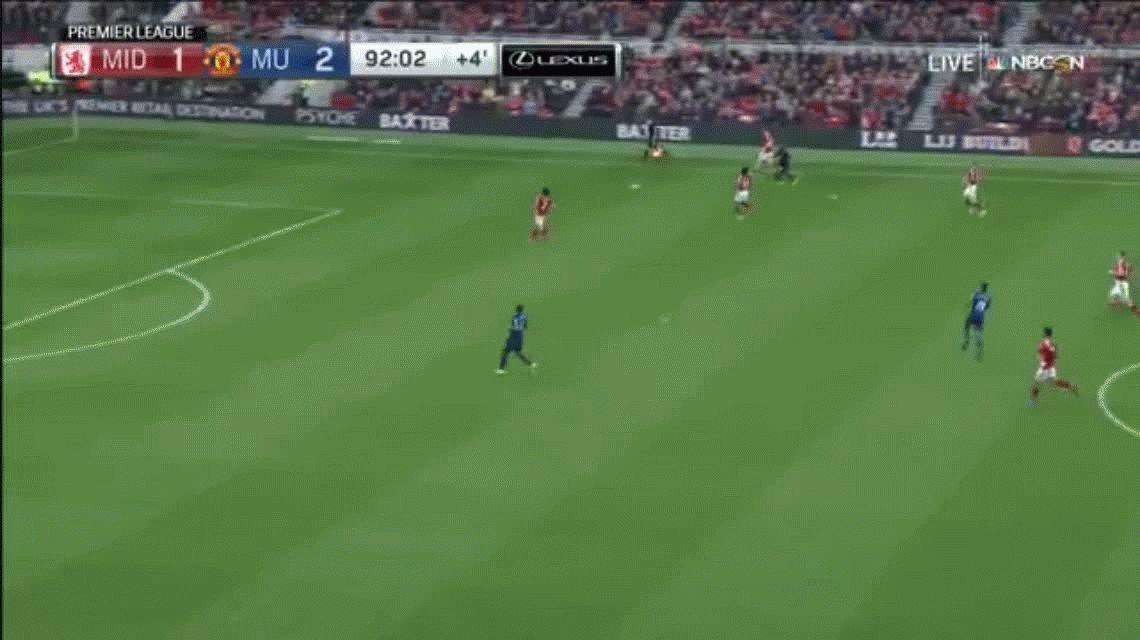 Víctor Valdés y un blooper que sentenció el triunfo del Manchester United