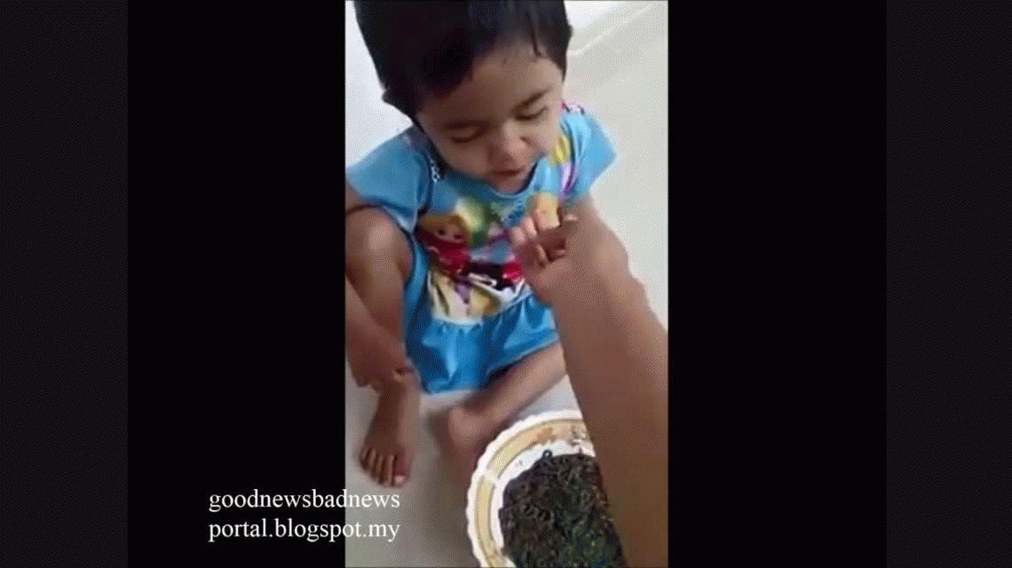 VIDEO: Una madre da de comer gusanos a su hija