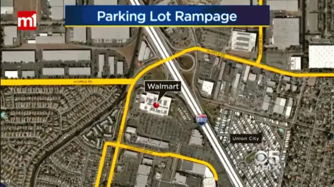 Estados Unidos: una joven atropelló a varias personas en un supermercado y escapó