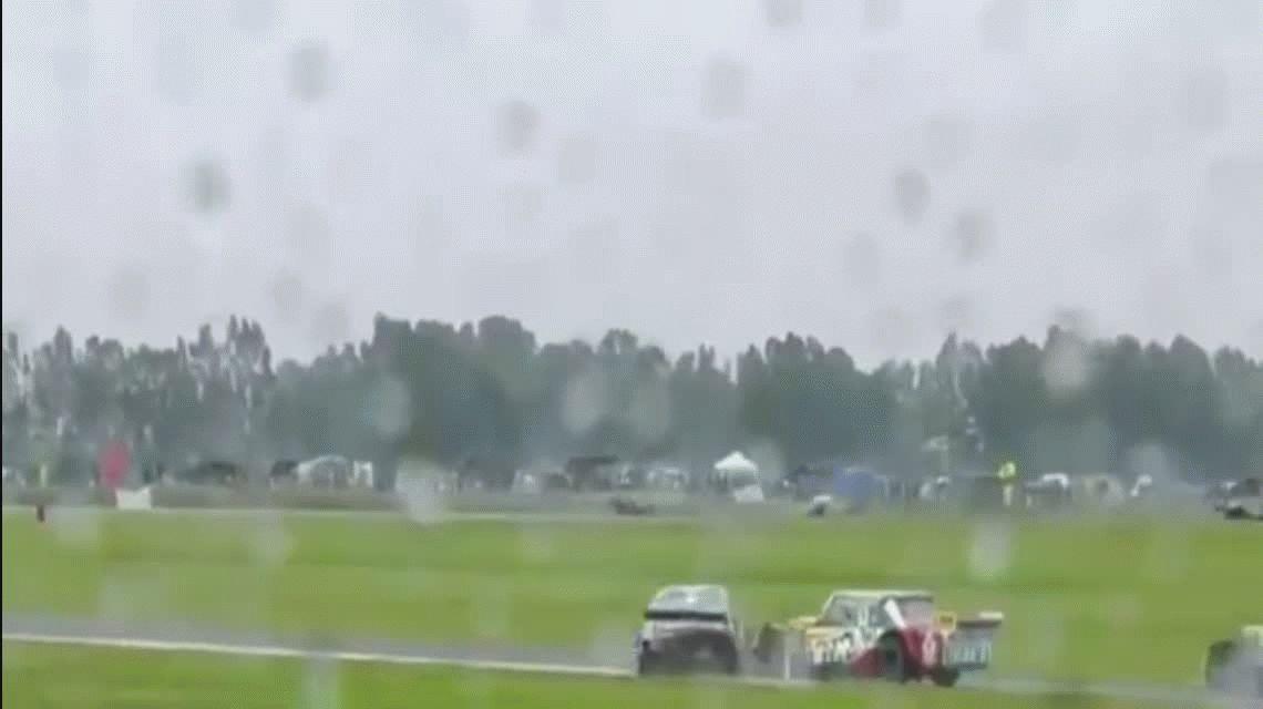 Terrible choque en el TC de Olavarría: dos pilotos terminaron en el hospital
