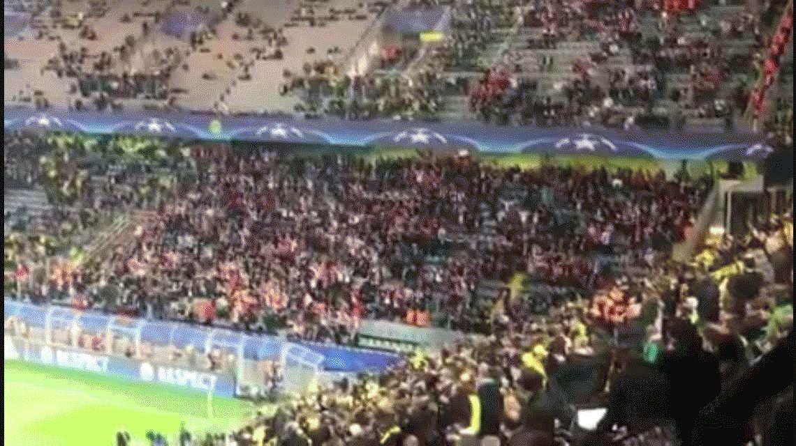 VIDEO: Hinchas de Mónaco alentaron a los del Dortmund tras atentado