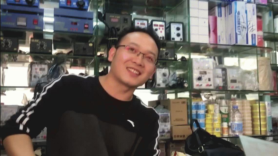 VIDEO: Compró todas las piezas y armó su propio iPhone