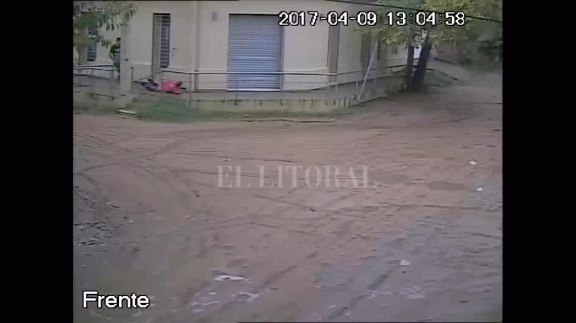 VIDEO: Tremenda golpiza en una esquina de una ciudad de Santa Fe se viraliza