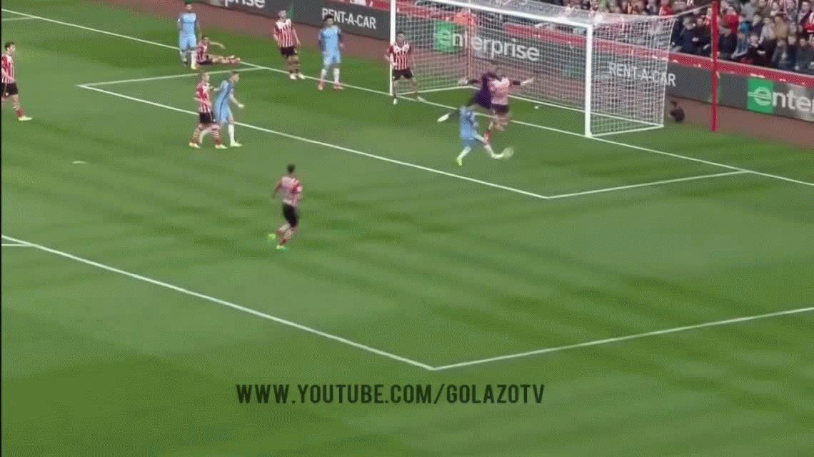 Agüero anotó el tercer gol de la goleada del Manchester City ante Southampton