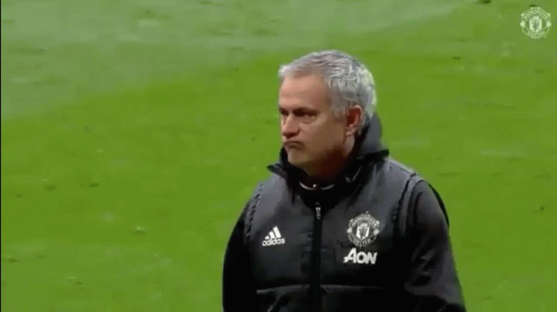 El polémico gesto de José Mourinho a los hinchas del Chelsea, su ex club