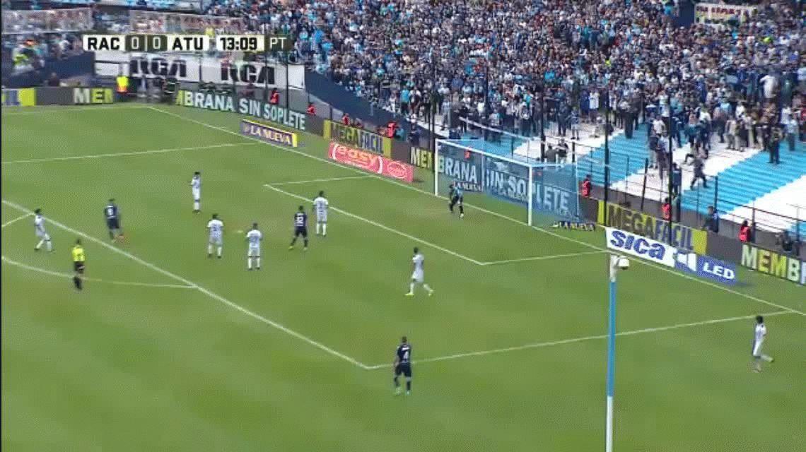 A lo Zidane: mirá el tremendo golazo de Racing frente a Atlético Tucumán