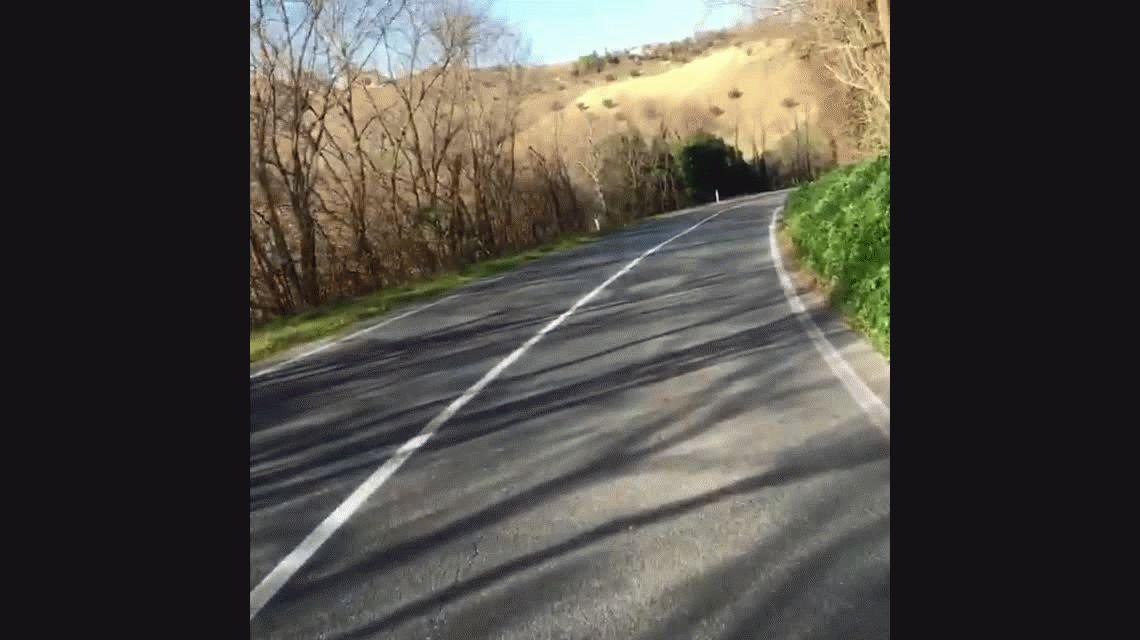 Un loro espera al ciclista Michele Scarponi, muerto en un accidente