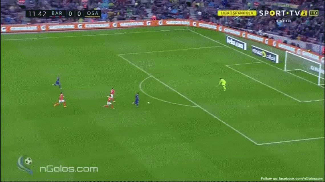 Barcelona aplastó a Osasuna con dos goles de Messi y es líder de la Liga