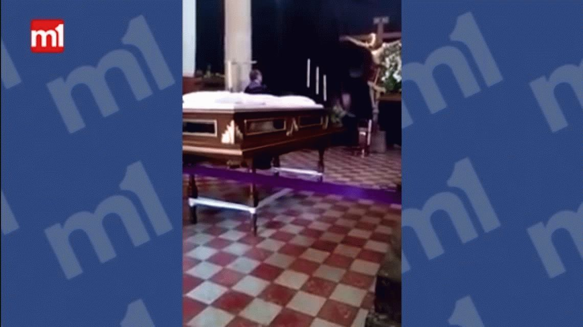 Sorpresa en México: filman a Jesús moviendo su cabeza en plena misa