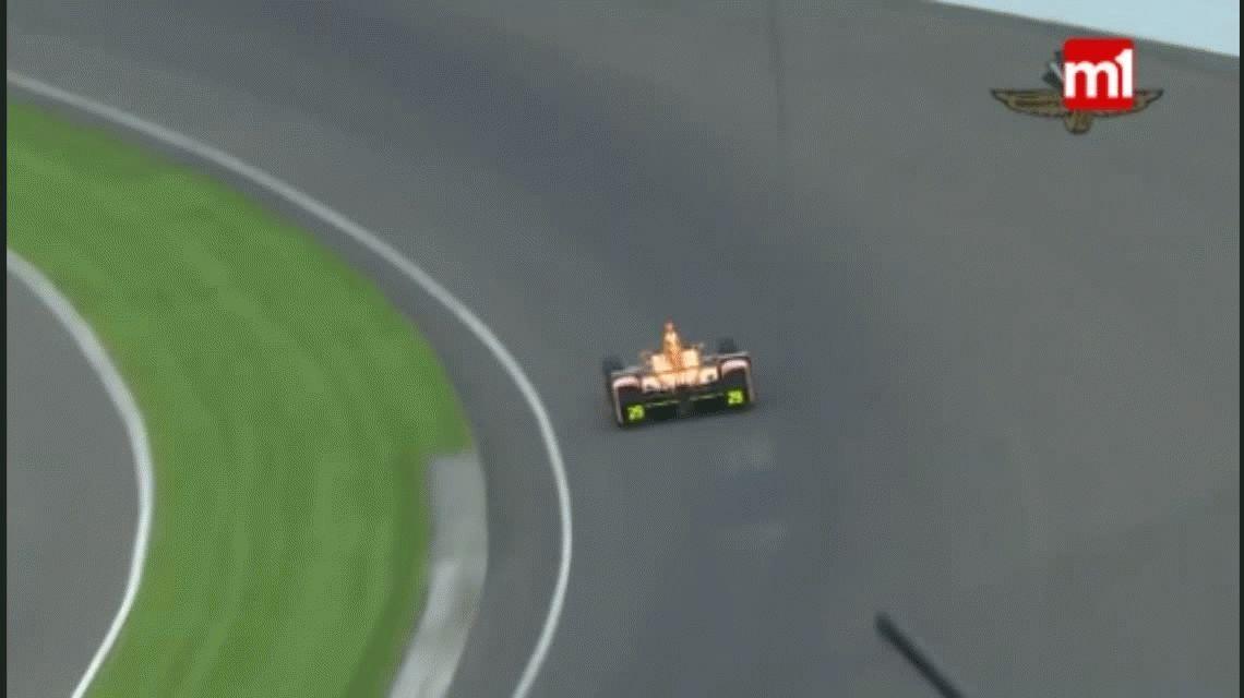 Fernando Alonso atropelló a dos pájaros a 350 km/h y los pulverizó