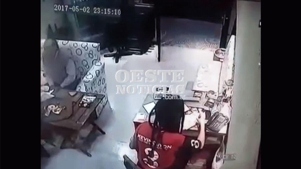 VIDEO: Así mataron al ex agente de la SIDE en una pizzería de Villa Luzuriaga