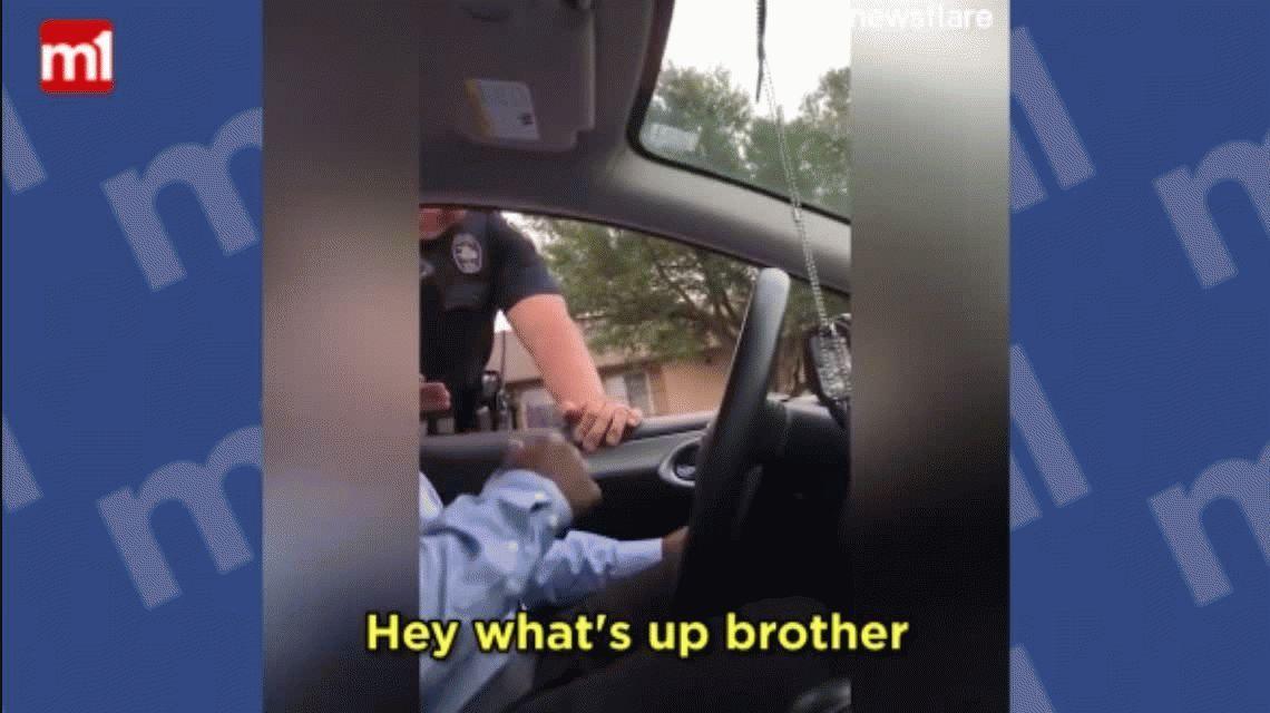 VIDEO: lo paró la Policía porque no tenía asiento de bebés y se llevó una emotiva sorpresa