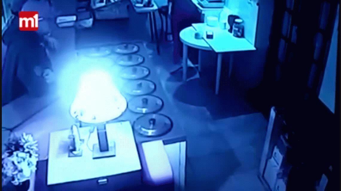 Otro violento asalto a una heladería: ladrones armados se llevaron todo
