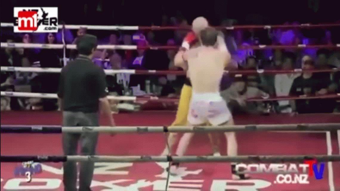 Imposible de tumbar: un monje Shaolin recibe piñas en la cara y no se cae