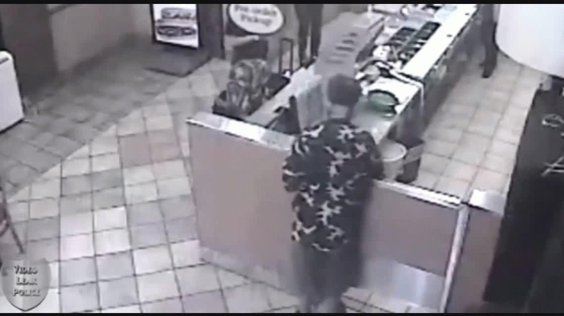 Estados Unidos: un policía mató a un hombre que atacó a un empleado de comidas rápidas