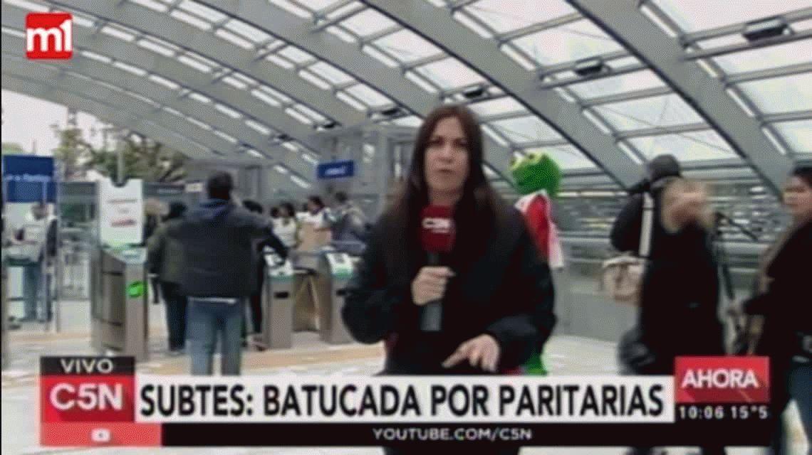 Los metrodelegados protestan con el Sapo Pepe en Constitución