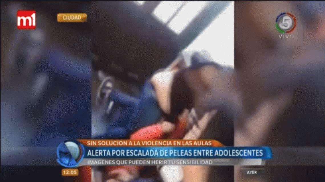VIDEO: Violenta pelea entre dos alumnas en una escuela de Rosario