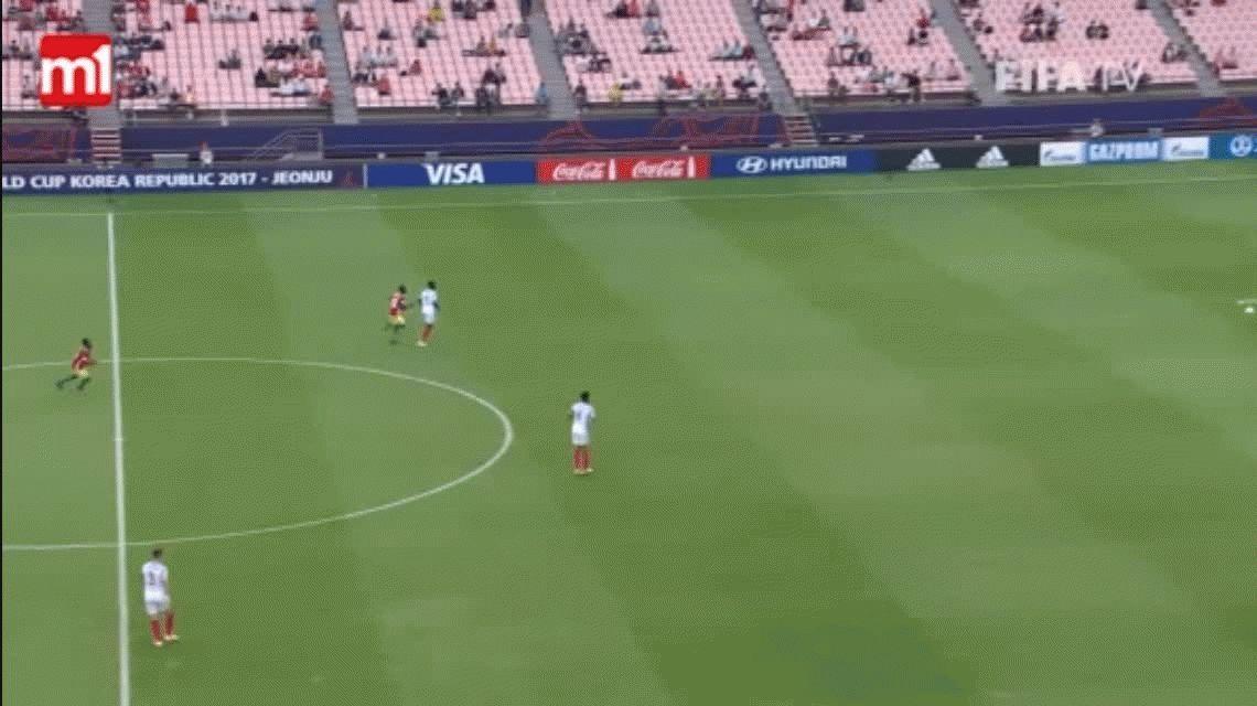 El peor gol en contra lo hizo un defensor de Inglaterra en el Mundial Sub 20