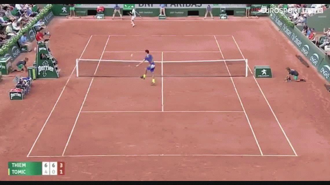 Para aplaudir de pie: el soberbio punto de Dominic Thiem en Roland Garros