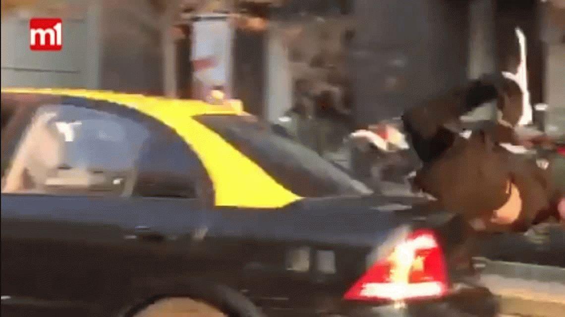 Taxista chileno le robó a dos argentinas y atropelló a un colombiano que trató de ayudar