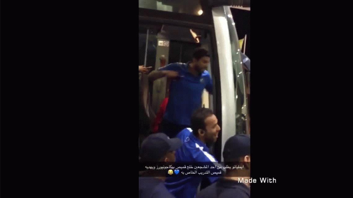 VIDEO: Emiliano Díaz, el hijo de Ramón, rompió una camiseta de Boca