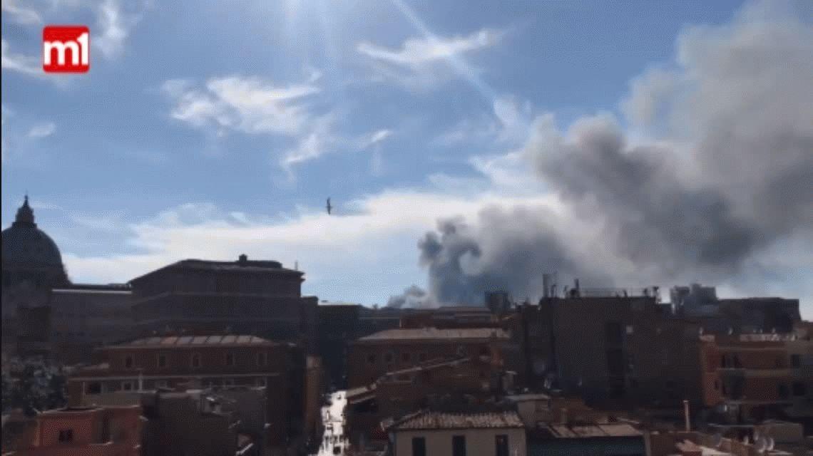Vaticano: explosión y humo cerca de la plaza San Pedro
