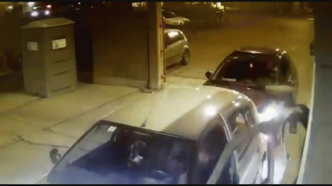 VIDEO: Atacó a un oficial de la prefectura y le pegó un cabezazo
