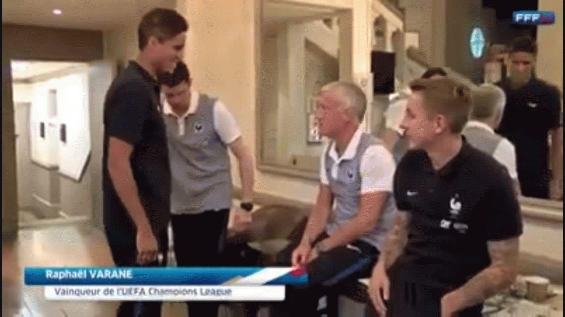 VIDEO: Antoine Griezmann no saludó a Raphael Varane