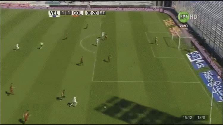 Hernán Barcos anotó el empate parcial ante Colón en el José Amalfitani
