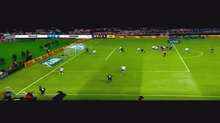 Sebastián Driussi anotó el primer gol de River ante Unión por los cuartos de final de la Copa Argentina