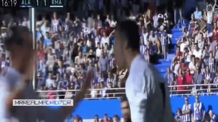 Cristiano Ronaldo cortó su sequía goleadora con tres goles ante el Alaves como visitante