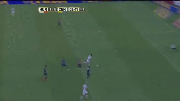 Ignacio Pussetto anotó el primer gol de Huracán ante Rosario Central en Parque Patricios