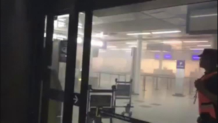 El humo en los mostradores obligó a evacuar Aeroparque - Crédito: @muffynna