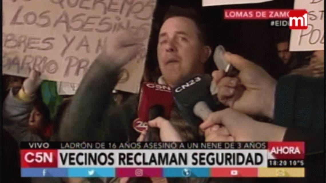 Marcha y furia en Lomas de Zamora: quemaron la casa del acusado del crimen de Agustín