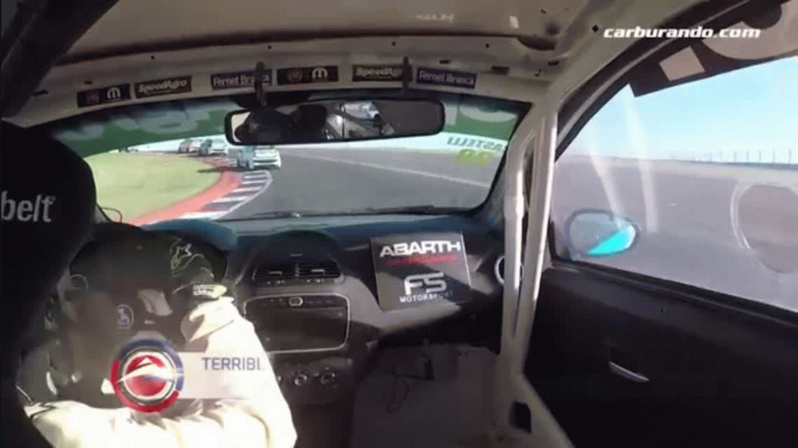 El dramático intento de Luis Castelli por salir de su auto tras un terrible vuelco