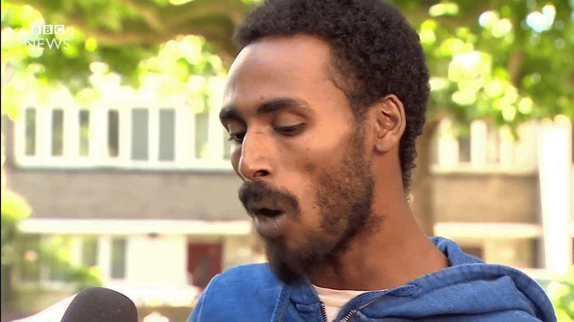 VIDEO: El residente del edificio en llamas de Londres rompe en llanto en plena entrevista